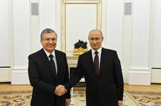 Президент Узбекистана от души поздравил своего российского коллегу с Днём Победы