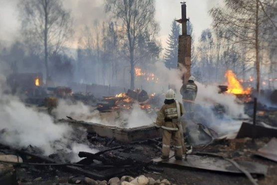 Пожар в на окраине Риддера уничтожил более 37 жилых домов
