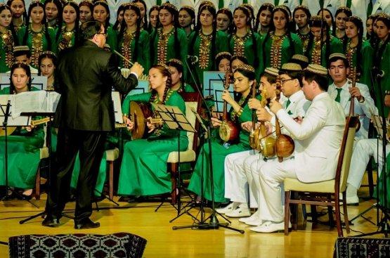 Преподаватели музыкальных школ Туркменистана сыграли огромную роль в развитии отечественной культуры
