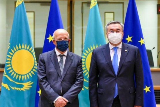 Образование и упрощение поездок в Европу затронуто на заседании совета «Казахстан – ЕС»