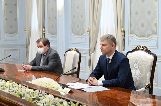 Президент Узбекистана переговорил с гендиректором «Российских железных дорог»