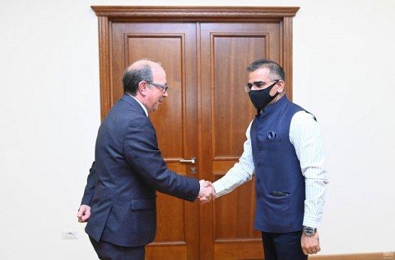 Армения и Индия заинтересованы в развитии двустороннего сотрудничества
