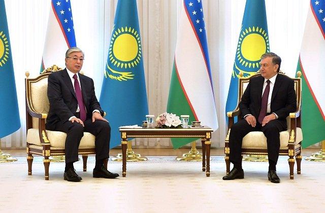 Нур-Султан и Ташкент обсудили развитие отношений и актуальную региональную повестку