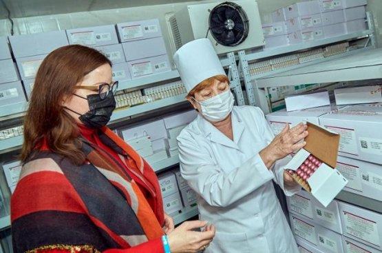 Бердымухамедов и Вейганд посетили Научно-клинический центр охраны здоровья матери и ребёнка