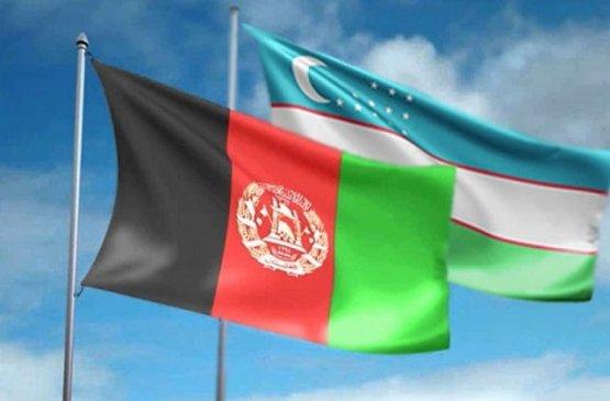 Узбекистан оказал гуманитарную помощь Афганистану в виде 1000 штук кислородных баллонов