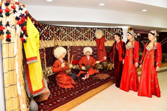 Президент Туркменистана побывал в Лебапском велаяте страны