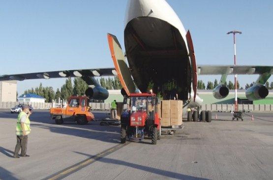 Туркменистан поставил первую партию отечественных товаров в Бишкек