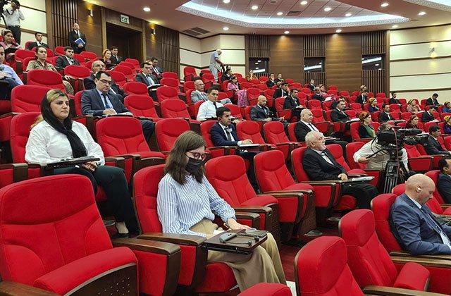 В Туркменистане состоялся форум при участии политологов и журналистов