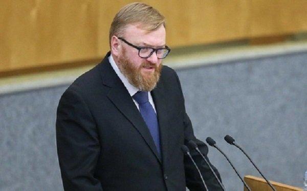 Милонов пристыдил кинокритика Долина из-за нападок в адрес издания «Вечерний курьер»