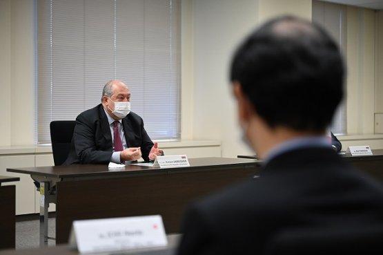 Президент Армении обсудил ядерное сотрудничество с Японией