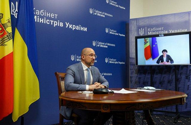 Премьер Украины обсудил с коллегой из Молдовы евроинтеграцию