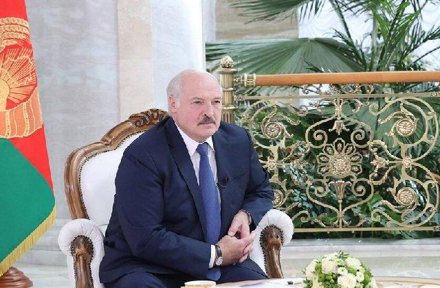 Лукашенко приветствовал участников международного форума по случаю 30-летия СНГ