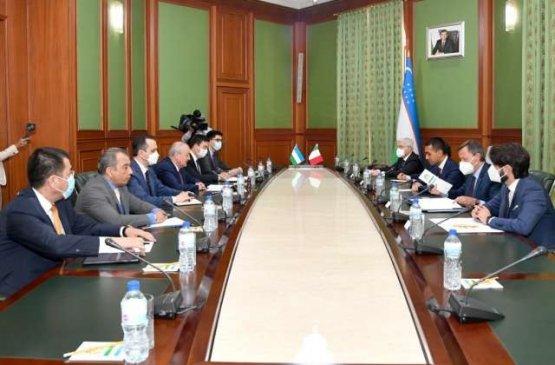 Узбекистан готов доставить гуманитарные грузы из Италии в Афганистан