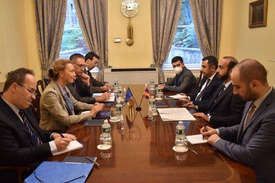 Проблемы регулирования армяно-азербайджанского конфликта обсуждались с генсеком Совета Европы