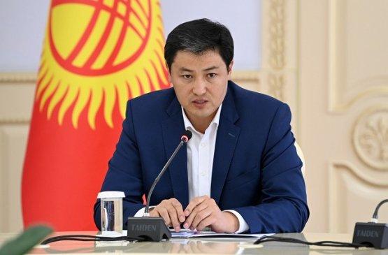 Премьер Кыргызстана рассмотрел цены на продовольственные товары и бензин в стране