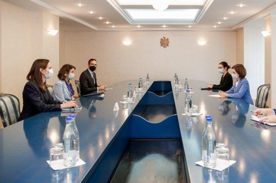 Санду обсудила с представителем Госдепа США проблемы граждан Молдовы