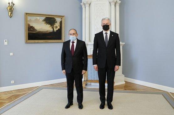 Премьер-министр Армении и президент Литвы намерены углублять экономические и торговые связи