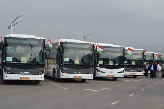 С 18 октября Таджикистан возобновляет автобусные рейсы в Узбекистан