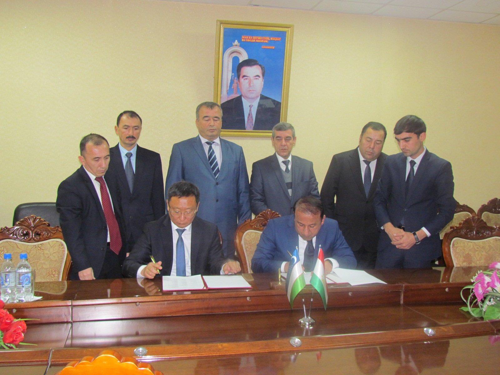 Таджикистан иУзбекистан согласовали возобновление полетов, прерванных с1992 года
