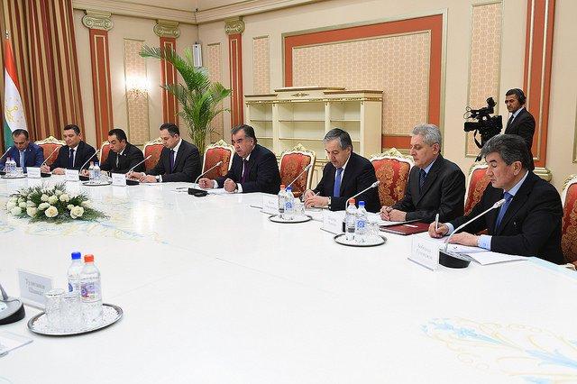 Таджикистан иУзбекистан «встали нарельсы» сотрудничества