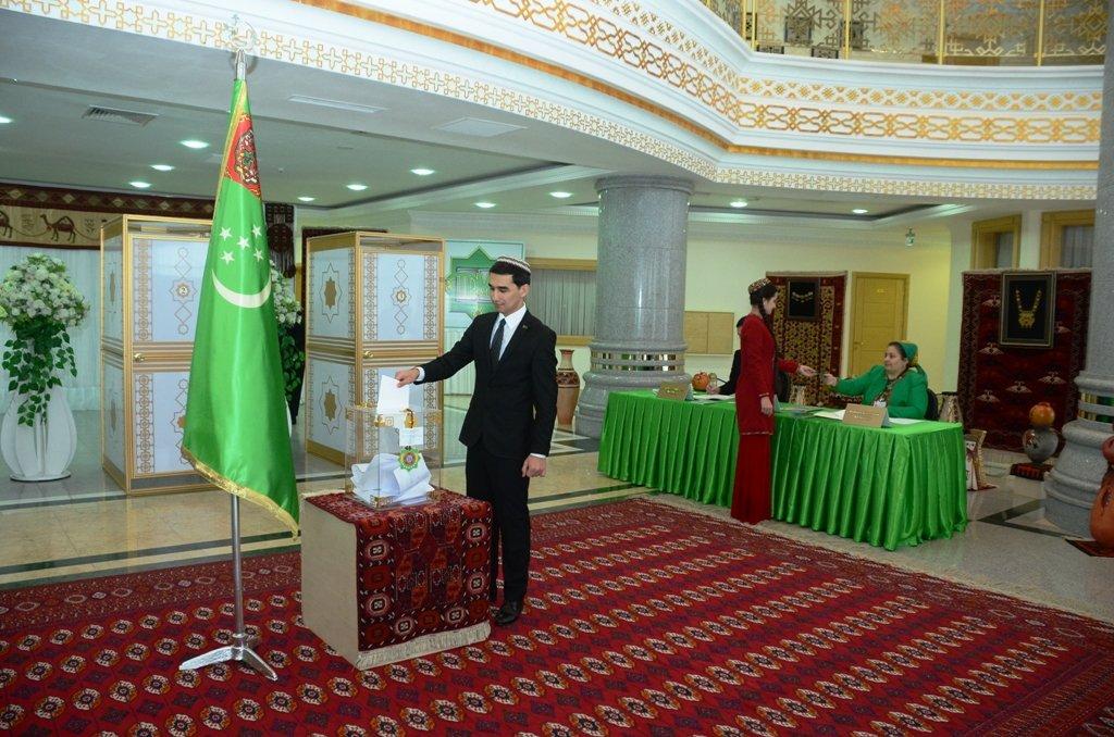 ВТуркменистане при явке избирателей неменее чем 90% состоялись президентские выборы
