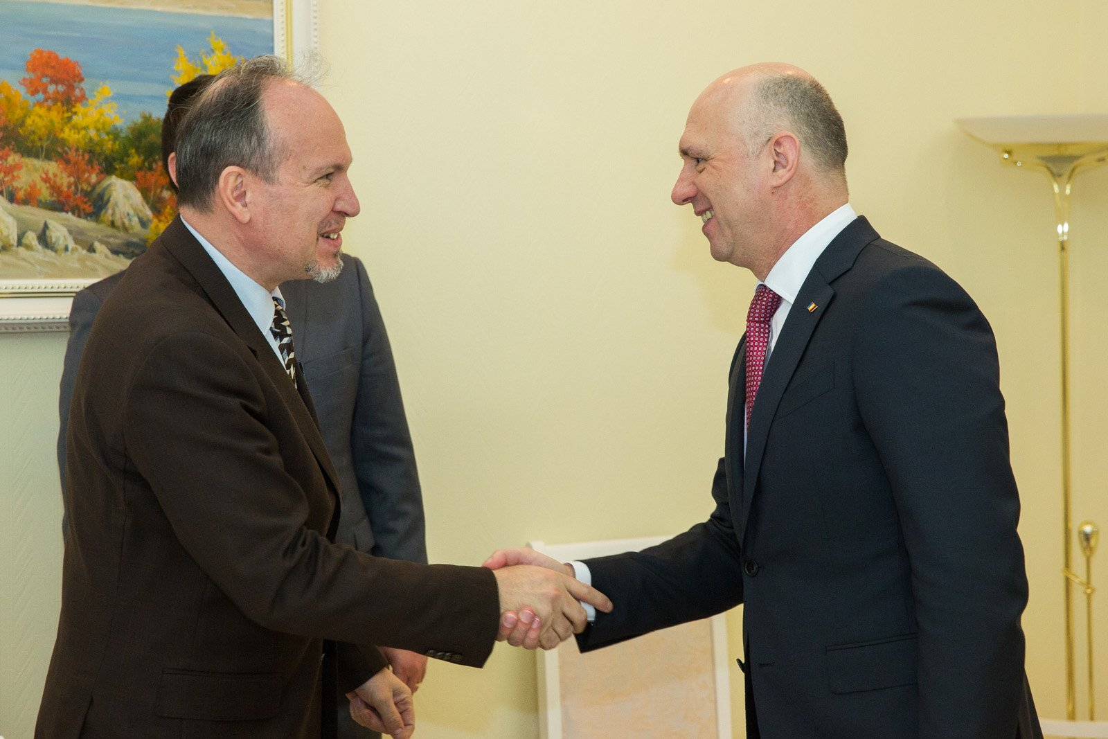 Премьер Молдовы отправится вРумынию укреплять отношения