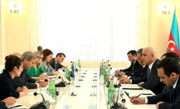 Ильхам Алиев иЙоханнес Хан побеседовали обупрощении визового режима