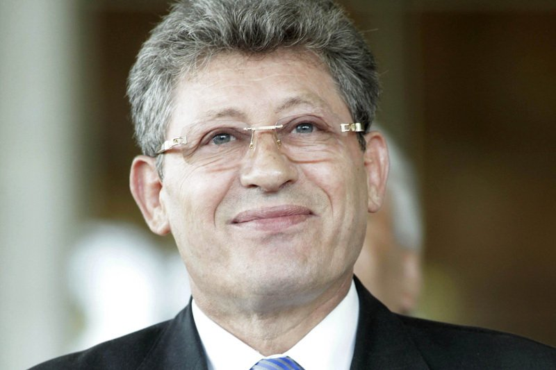 Впарламенте Молдовы начали сбор подписей заимпичмент Додона