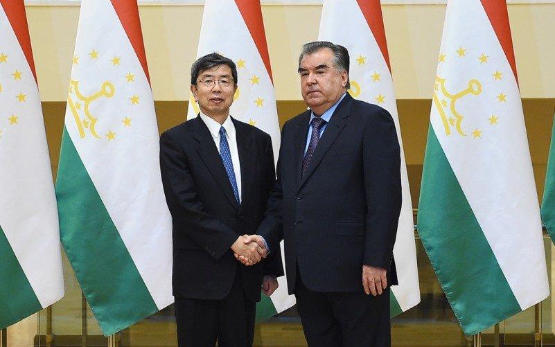 Эмомали Рахмон: «АБР вложил вТаджикистан 1,6 млрд. долларов»