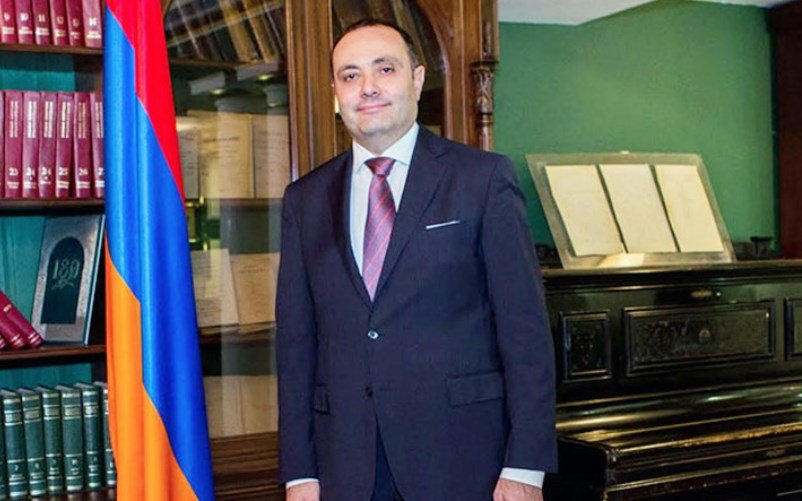 Ереван подписал соглашение сМосквой обоборонном кредите на100 млн долларов