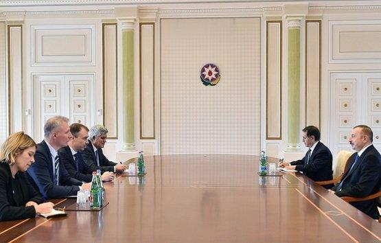 Алиев поднял карабахский вопрос навстрече соспецпредставителемЕС