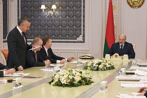 Лукашенко против решения трудностей учреждений ибанков засчет бюджета